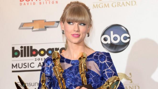 Taylor Swift with her trophies on May 19.