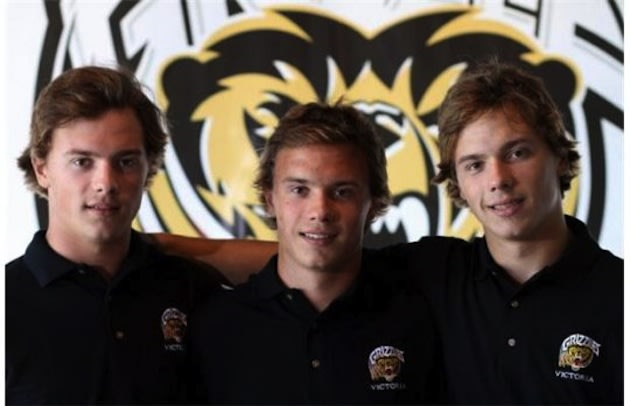 The Fitzgerald triplets, once film stars, will skate for Bemidji State starting in 2014 &#x2014; Victoria Grizzlies