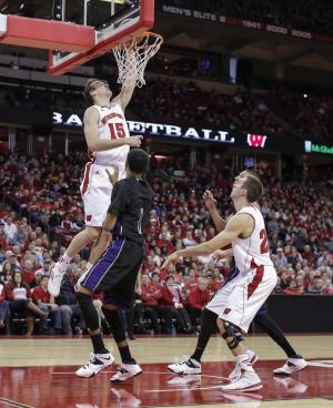 No. 4 Wisconsin 13-0 going into Big Ten play