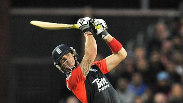 Cricket - Cook and Pietersen give England hope