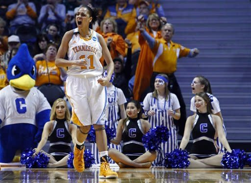 Lady Vols beat Creighton to reach regional semis