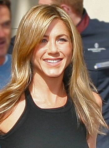 Jennifer Aniston seems to be happier than ever!