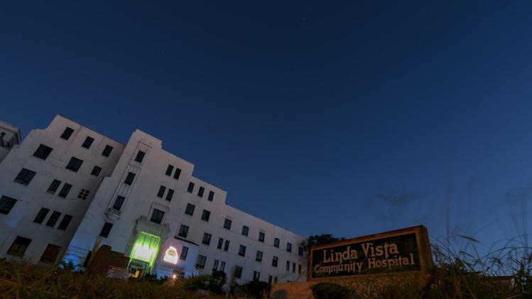 "A general view of the exterior of Linda Vista Hospital is seen during the ""American Horror Story: Asylum"" sleepover, on Monday, Oct. 7, 2013, in Los Angeles. (Photo by Paul A. Hebert/Invision/AP)"