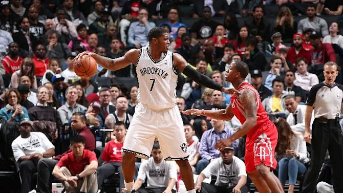 Nets end 14-game skid vs Rockets, clinch playoffs