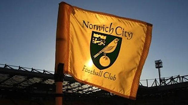 FOOTBALL Championship Norwich City flag Carrow Road