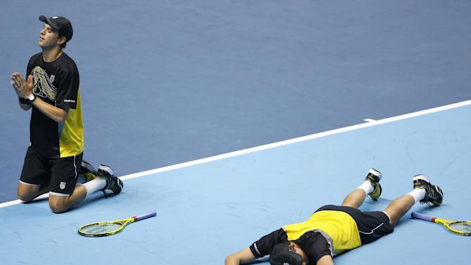 Bryans clinch first win at ATP Finals