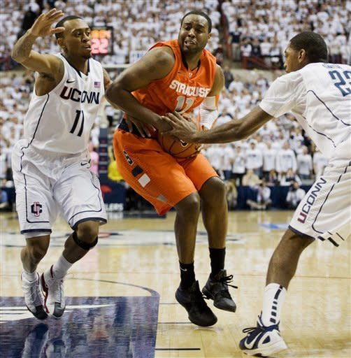 No. 2 Syracuse edges UConn to clinch Big East