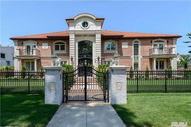 Monday Mansion: Over-the-Top Queens Mansion Insists It's Worth $3.38M