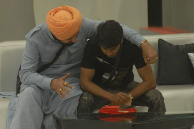 Bigg Boss 6: Kashif lands in trouble