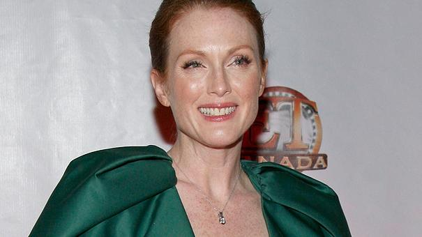 julianne moore thumb