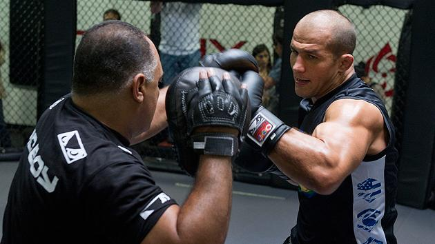 Junior dos Santos and his trainers