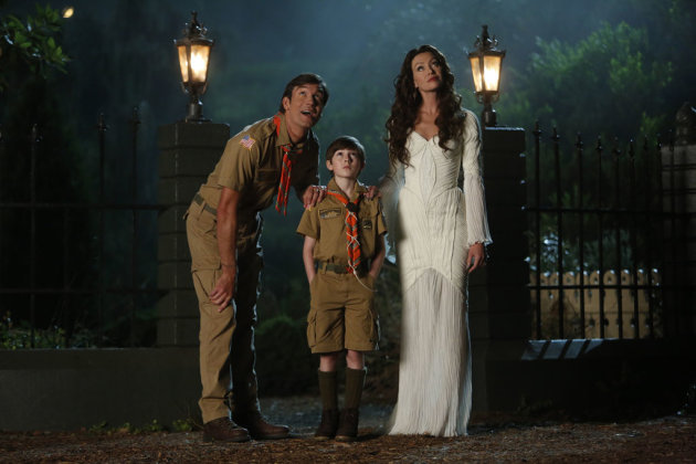 "Jerry O'Connell as Herman, Mason Cook as Eddie, and Portia de Rossi as Lily in NBC's ""Mockingbird Lane."""