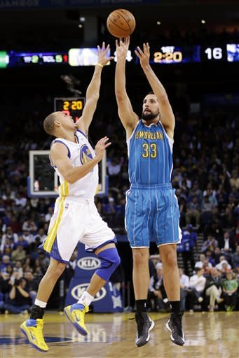 Warriors hold off Hornets 103-96 in return home