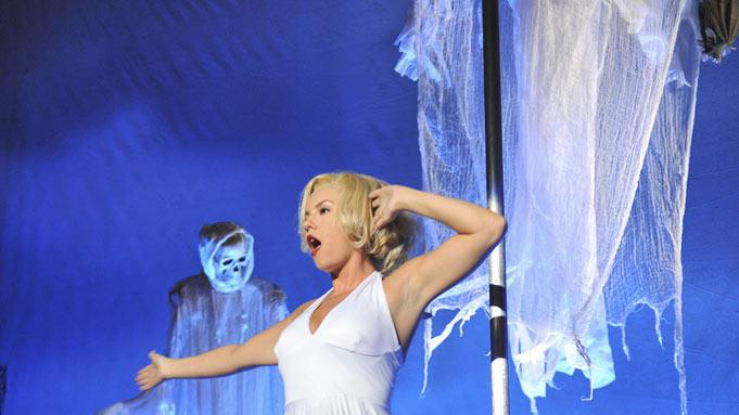 "Elisha Cuthbert as Alex in the Halloween episode ""Spooky Endings"" of ""Happy Endings."""