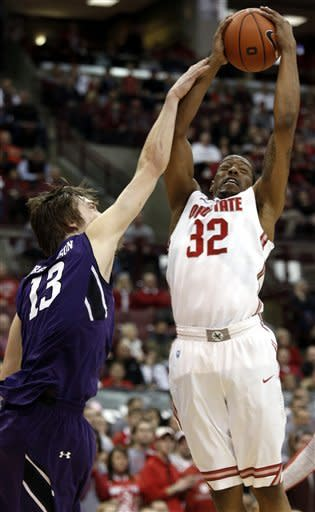 Thomas scores 22, Ohio State escapes upset, 69-59