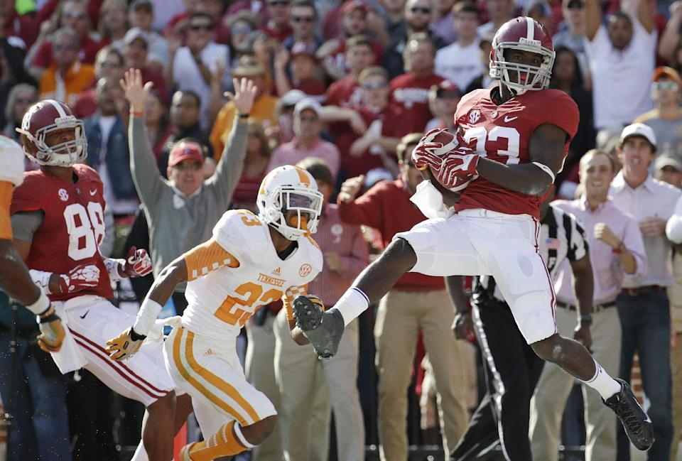 No. 1 Alabama rolls over Tennessee, 45-10