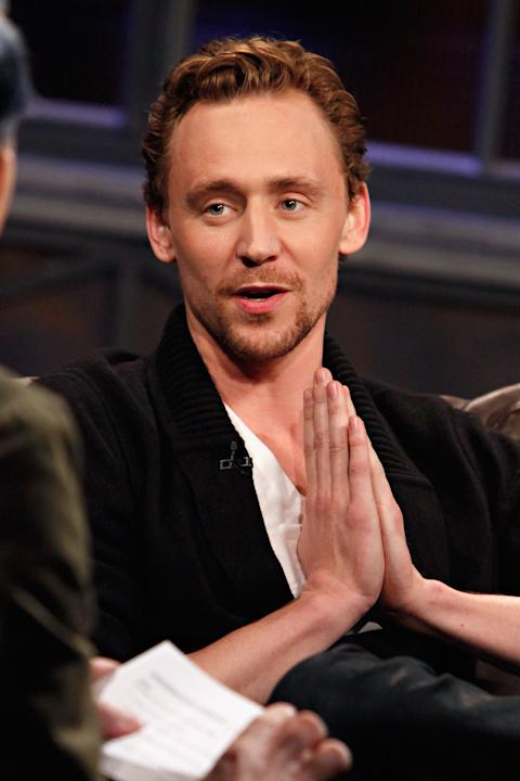 "Tom Hiddleston Visits fuse's ""Hoppus On Music"""