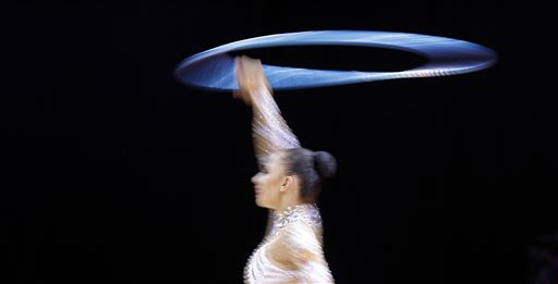 Kanaeva becomes 1st with 2 Olympic rhythmic titles