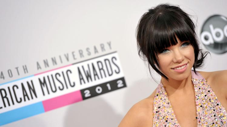 Carly Rae Jepsen arrives at the 40th Anniversary American Music Awards on Sunday, Nov. 18, 2012, in Los Angeles. (Photo by John Shearer/Invision/AP)