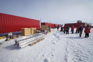 Antarctic Drilling Team Nabs 1st Samples of Buried Lake