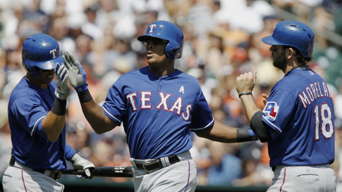 Another Rangers romp: Texas beats Detroit 12-4
