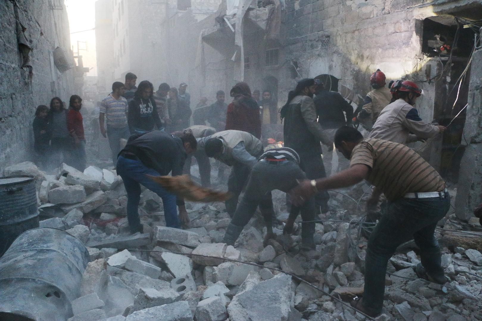 Syrian regime strikes kill 37 civilians in Aleppo, says monitor