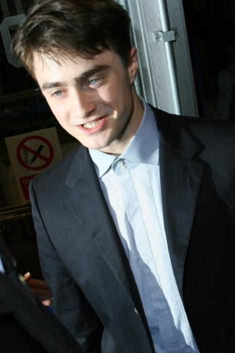 Daniel Radcliffe plays Harry Potter.