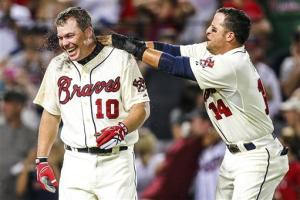 Jones' HR in 9th caps big rally, Braves beat Phils