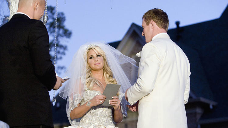 "TV Weddings - Kim Zolciak And Kroy Biermann: ""Don't be Tardy for the Wedding"" (2011)"