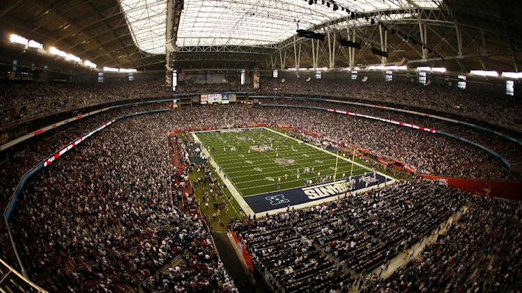 Glendale, Ariz., Tampa, Fla., to host title games