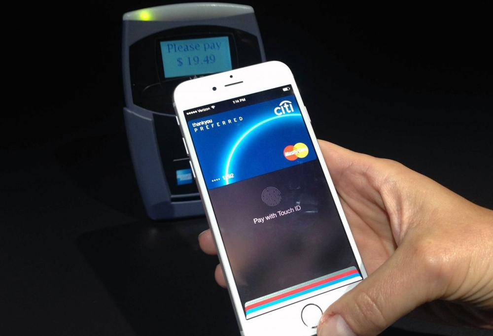 Banks are 'scrambling' to stamp out Apple Pay-related fraud