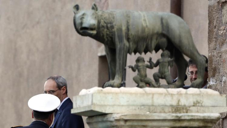 Sorrentino arrives at the Campidoglio to receive the honorary citizenship of Rome