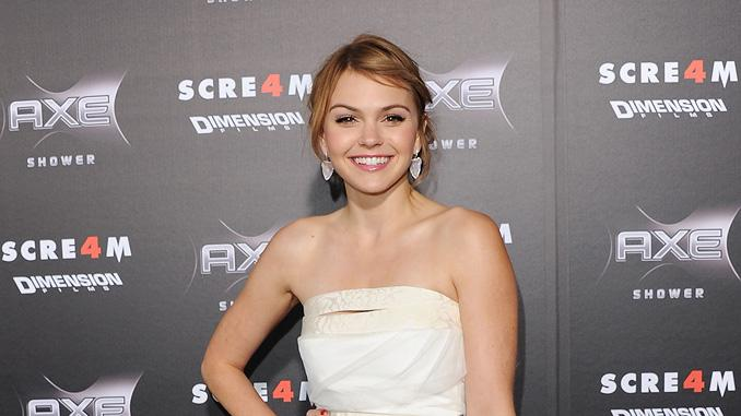 Scream 4 LA Premiere 2011 Aimee Teegarden