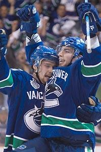Burrows finds way to thwart Bruins again