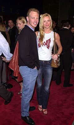 Premiere: Ian Ziering and Nikki Schieler at the LA premiere for Columbia's Tomcats - 3/28/2001 Photo by Pierre Leloup/Wireimage.com