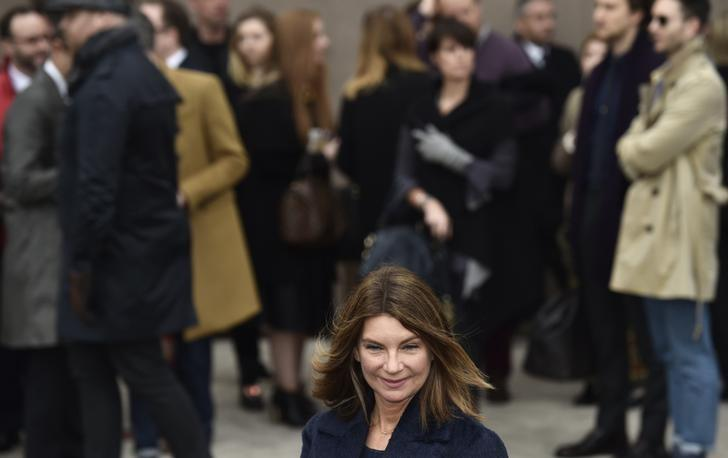 Net-A-Porter founder leaves abruptly ahead of merger