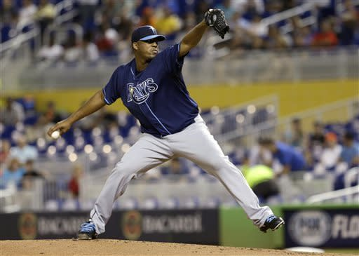 Hernandez bounces back, pitches Rays over Marlins