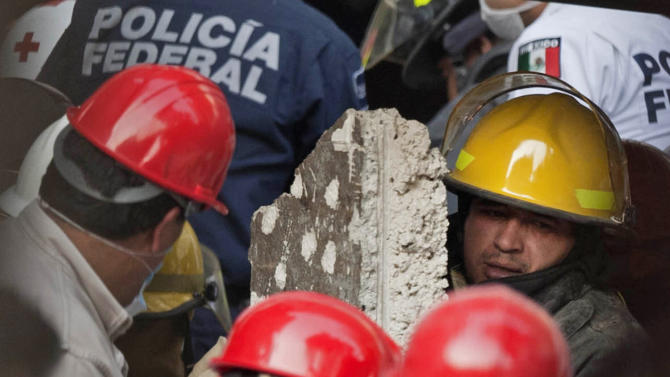 33 die in Mexico oil company office building blast