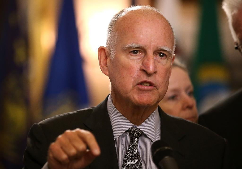California adopts ambitious climate change bill