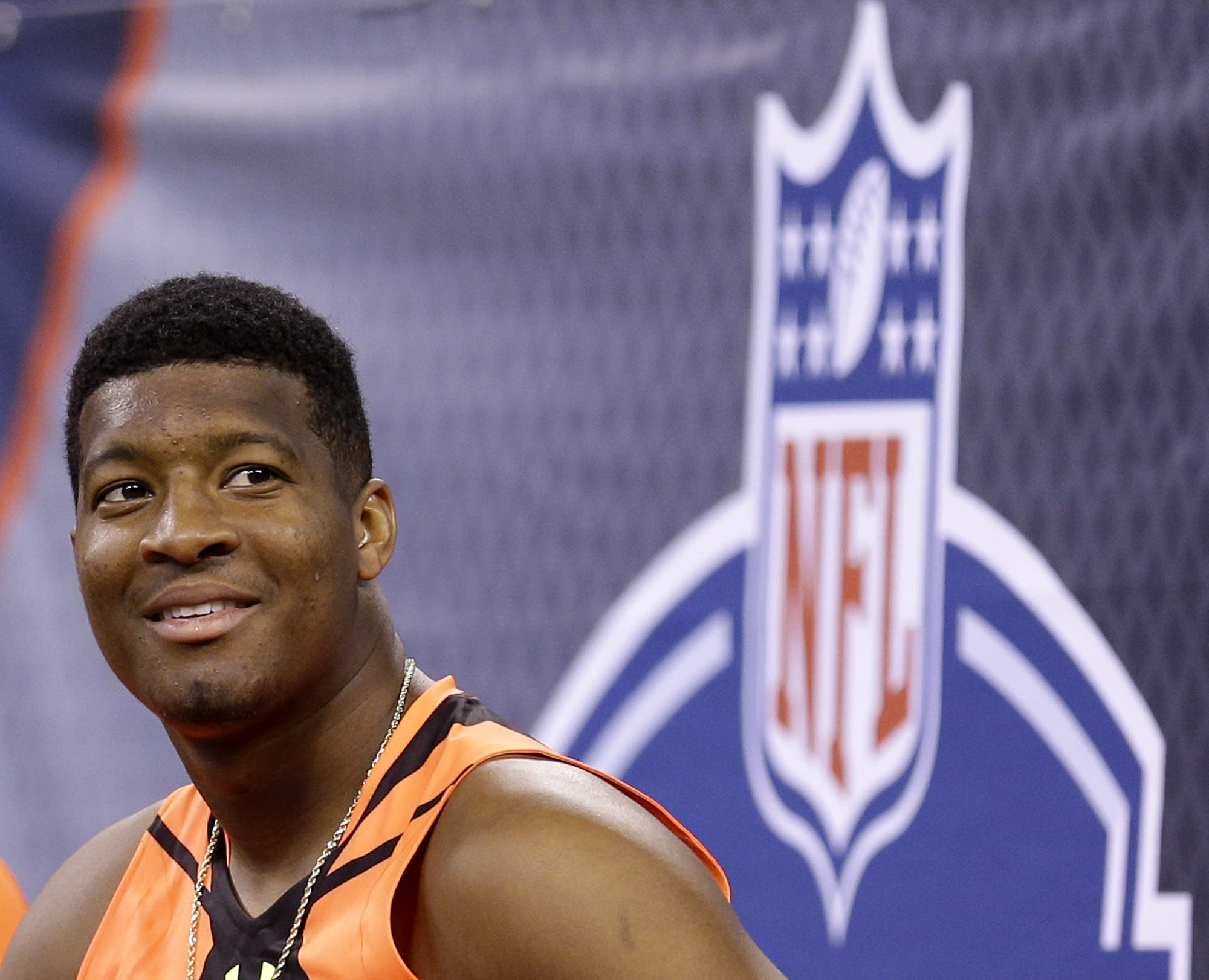 Jameis Winston working to leave off-field problems behind