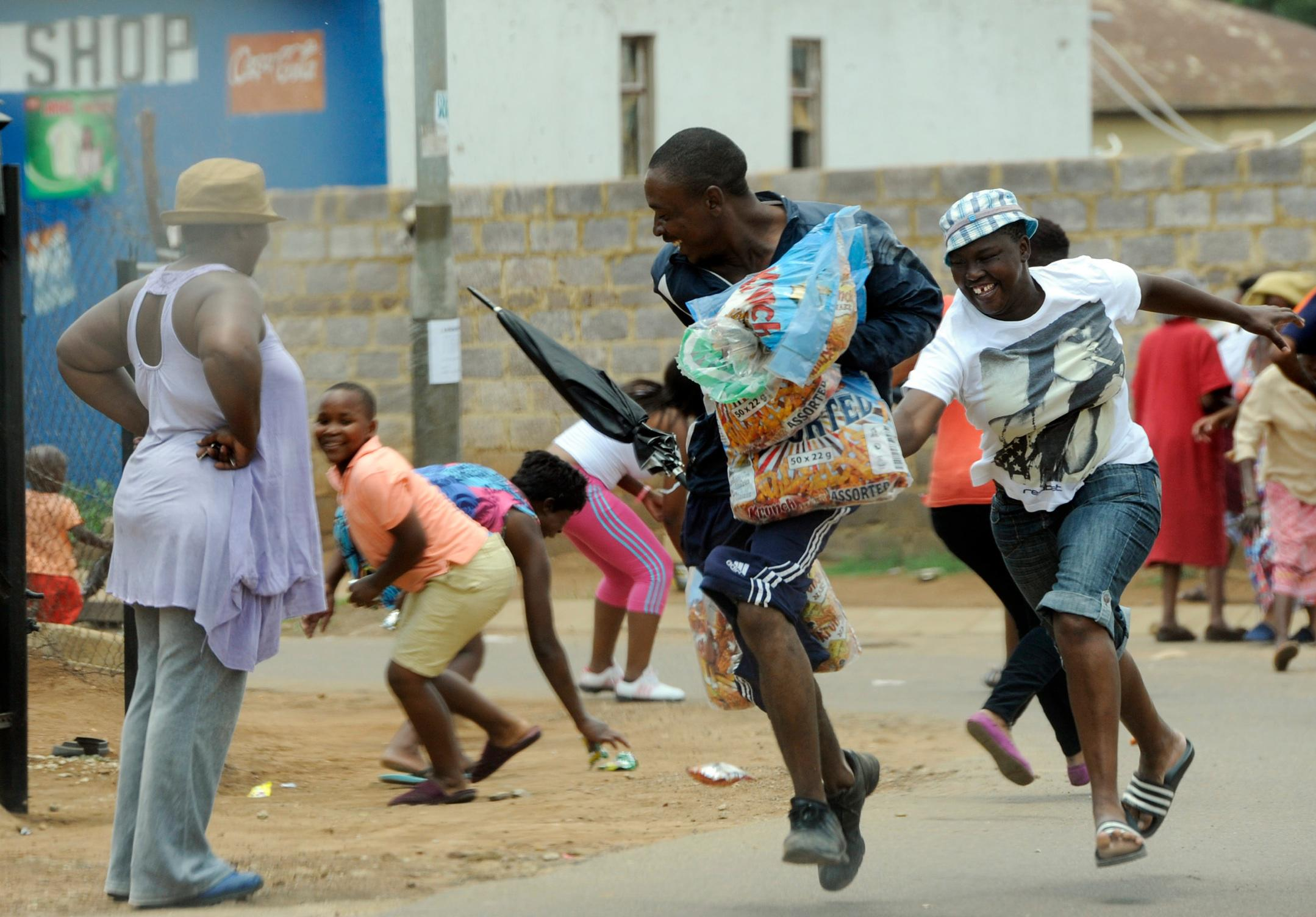 153 arrested in South Africa looting