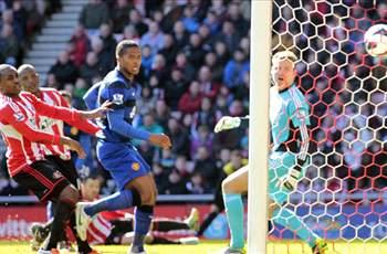 Sunderland 0-1 Manchester United: Bramble own goal sees leaders grab seventh-straight league win