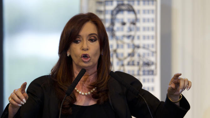 Argentine leader moves to nationalize oil company