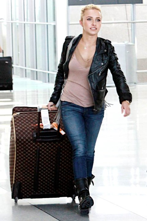 Hayden Panettiere Toronto Airport
