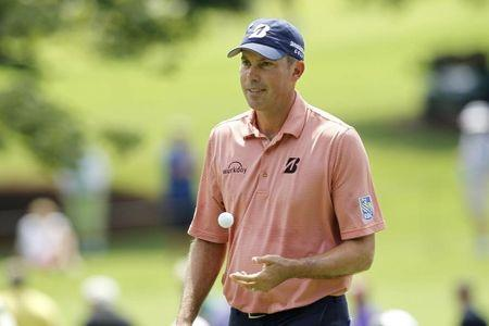 In-form Kuchar moves one stroke clear at La Quinta