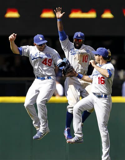 Dodgers take series from Mariners with 8-2 victory