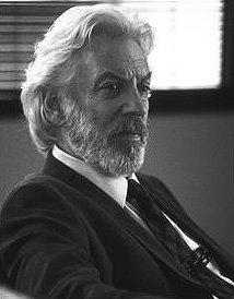 Donald Sutherland as Ben Hillard in Instinct