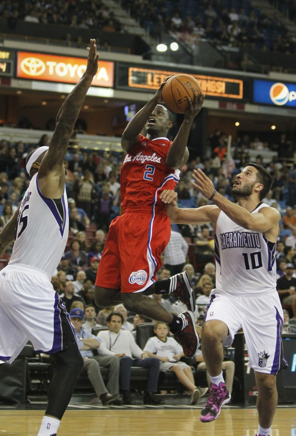 Kings beat Clippers in preseason