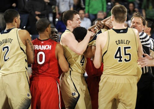 Grant's 21 lead Irish to 66-40 win over St. John's
