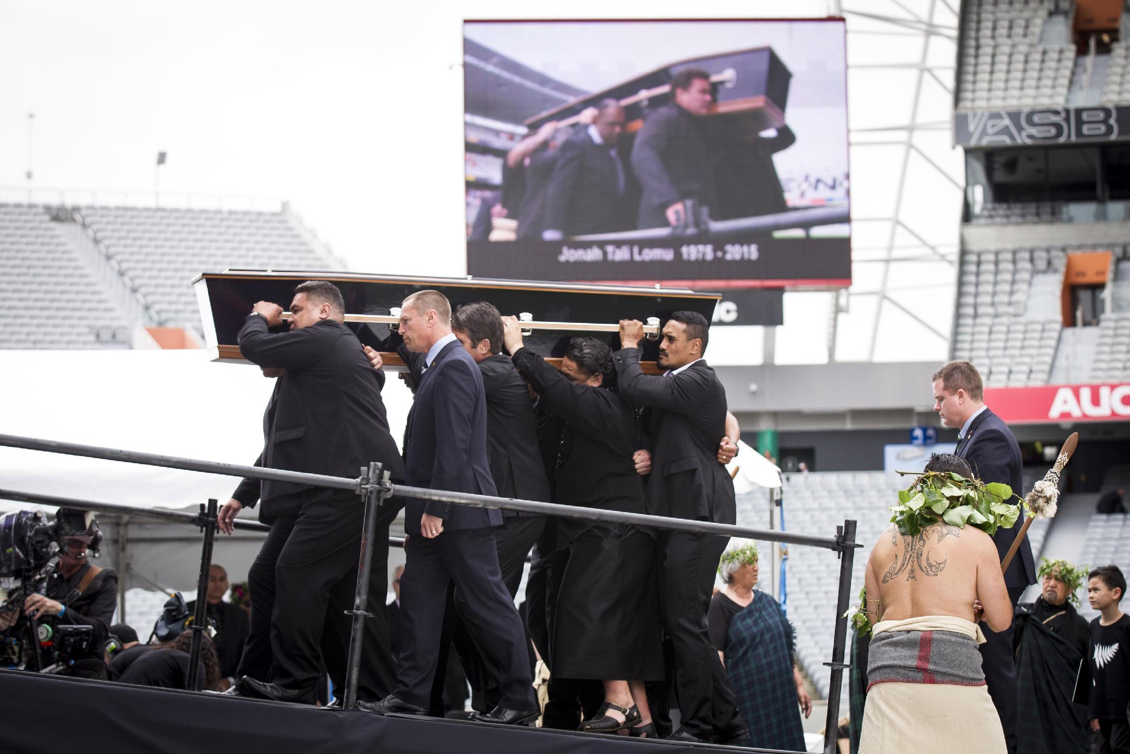 Thousands crowd Eden Park for Jonah Lomu memorial